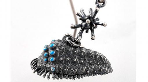 王蟲のピアスがかっこよすぎ! メーヴェのネックレスなど『風の谷のナウシカ』のアクセサリーが発売。5500円~