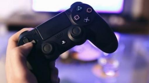 20年後のキッズ「PS11に比べると、昔の人ってよくPS5の画質でゲームできてたなぁ」