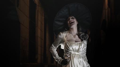 『バイオハザード ヴィレッジ』名悪役ドミトレスクの元となった女優がドミトレスクのコスプレを披露。まるでゲームから飛び出したようなすばらしい写真