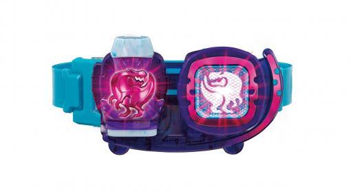 """『仮面ライダーリバイス』より""""変身ベルトDX リバイスドライバー""""が9月4日に発売。レックスバイスタンプをレバーのように倒すと変身ギミックが発動!"""