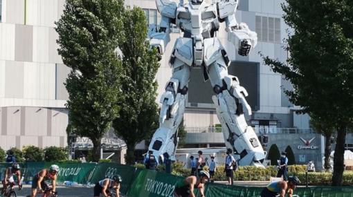 【海外の反応】 パンドラの憂鬱 海外「日本以外じゃあり得ないw」 東京五輪のレース中に映り込んだ巨大ロボットに世界が騒然