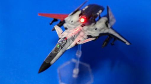 『エースコンバット』プラモデル1/144「ADFX-01」レビュー!LEDでレーザー照射表現が映える
